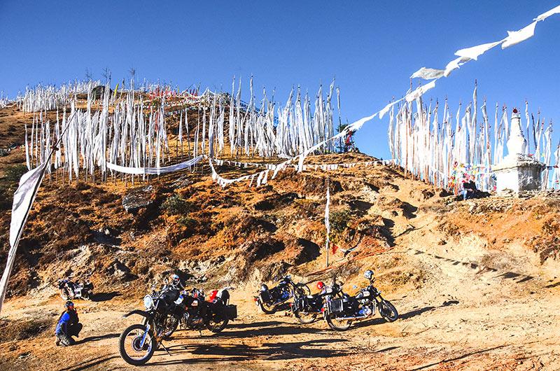 Dochu La Pass summit