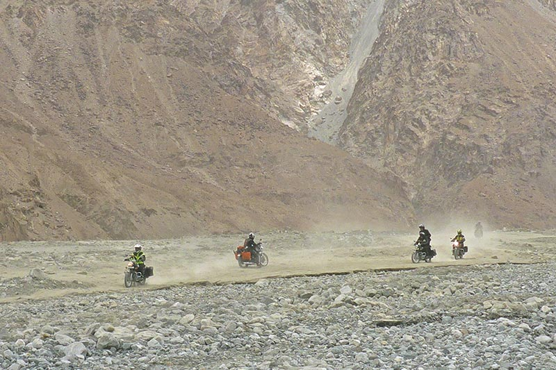 Road to McLeod Ganj